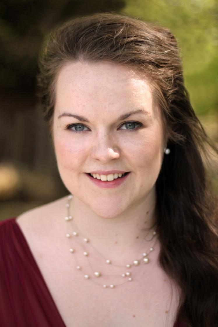 Freya Holliman (Soprano)